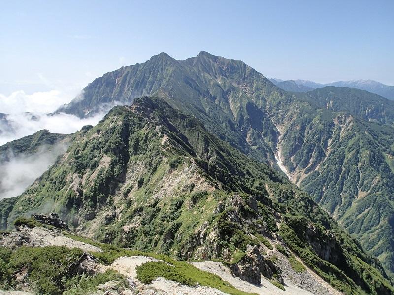 五竜岳の頂上から、鹿島槍ヶ岳