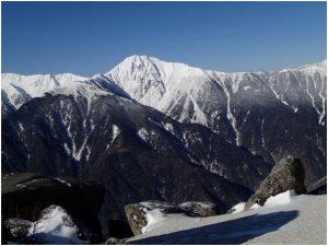 稜線からみた北岳
