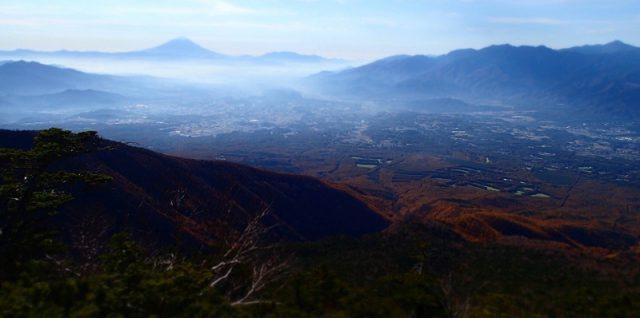 編笠山頂上付近からの富士山です