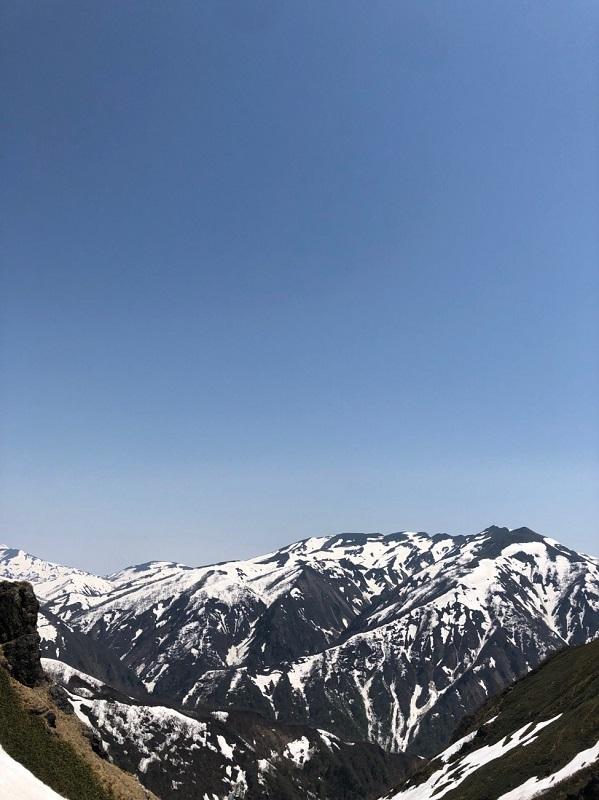 芝倉沢からの朝日岳