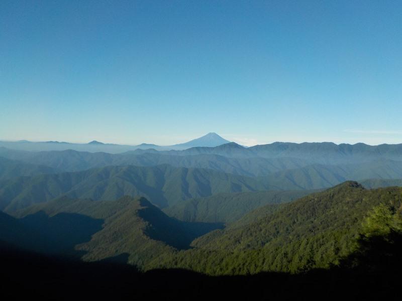 七ツ石小屋から富士山を望む